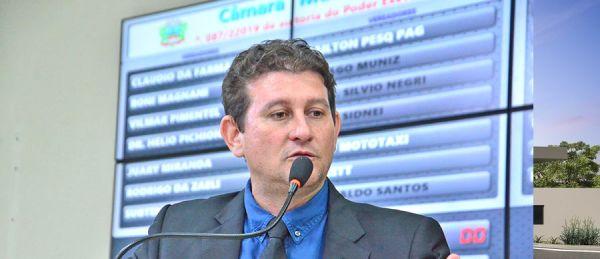 O prefeito Zé Carlos do Pátio quer isentar construtoras de impostos municipais