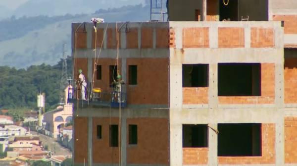 Setor de construção civil cresce nas três maiores cidades do Sul de MG