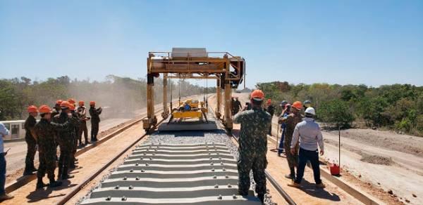 Engenharia do Exército estuda obras das malhas rodoviária e ferroviária