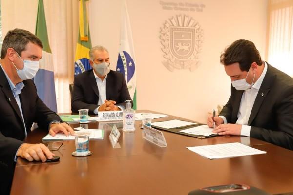 Paraná e Mato Grosso do Sul fazem acordo para ampliar ferrovias